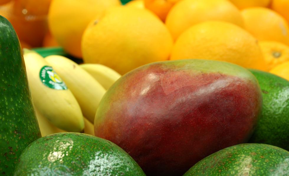 Supermercato Meta, reparto frutta e verdura