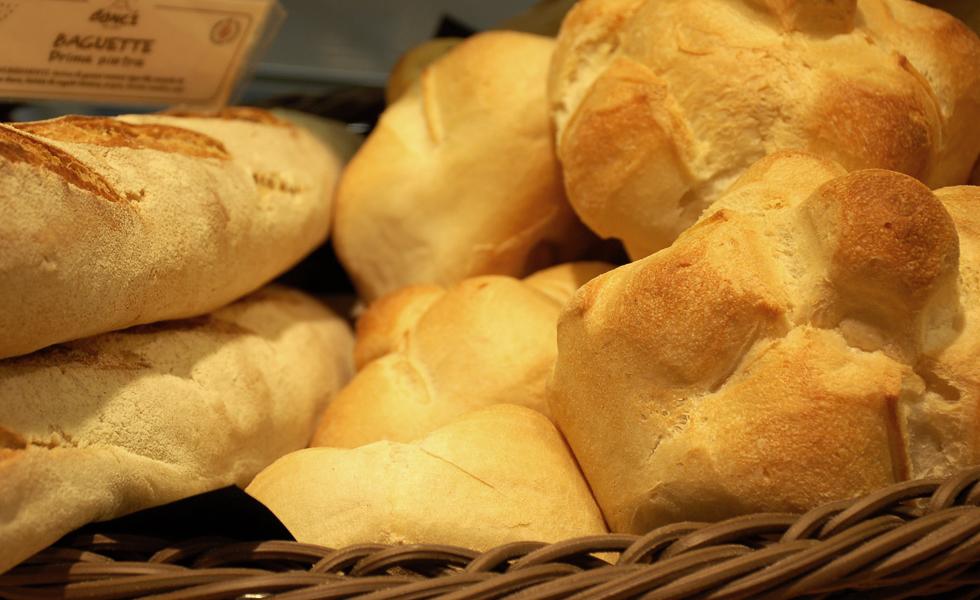 Supermercato Metà Cavour, reparto pane di Bonci