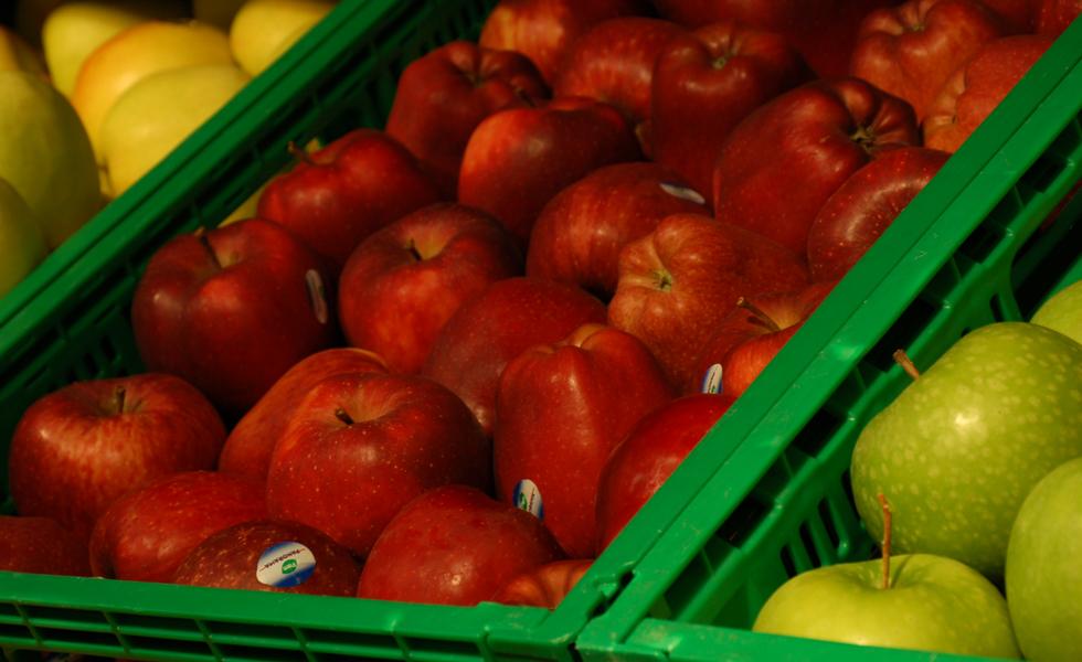 Supermercato Pam, reparto frutta fresca