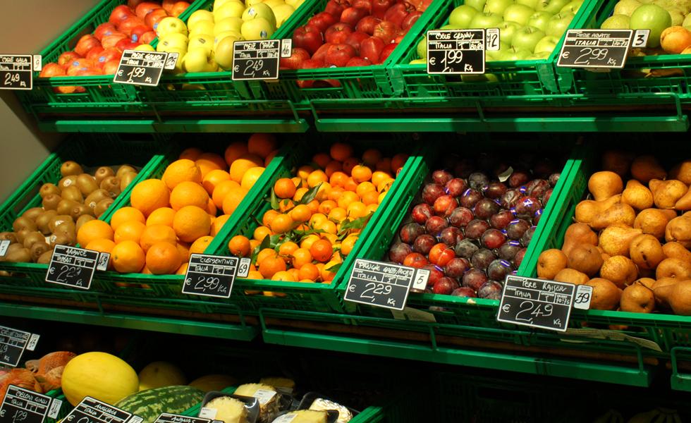 Supermercato Metà, frutta fresca di stagione